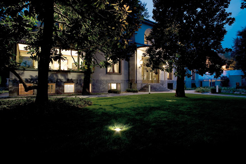 Plafoniera Incasso Led Disano : Projects u003e outdoor facade disano illuminazione spa